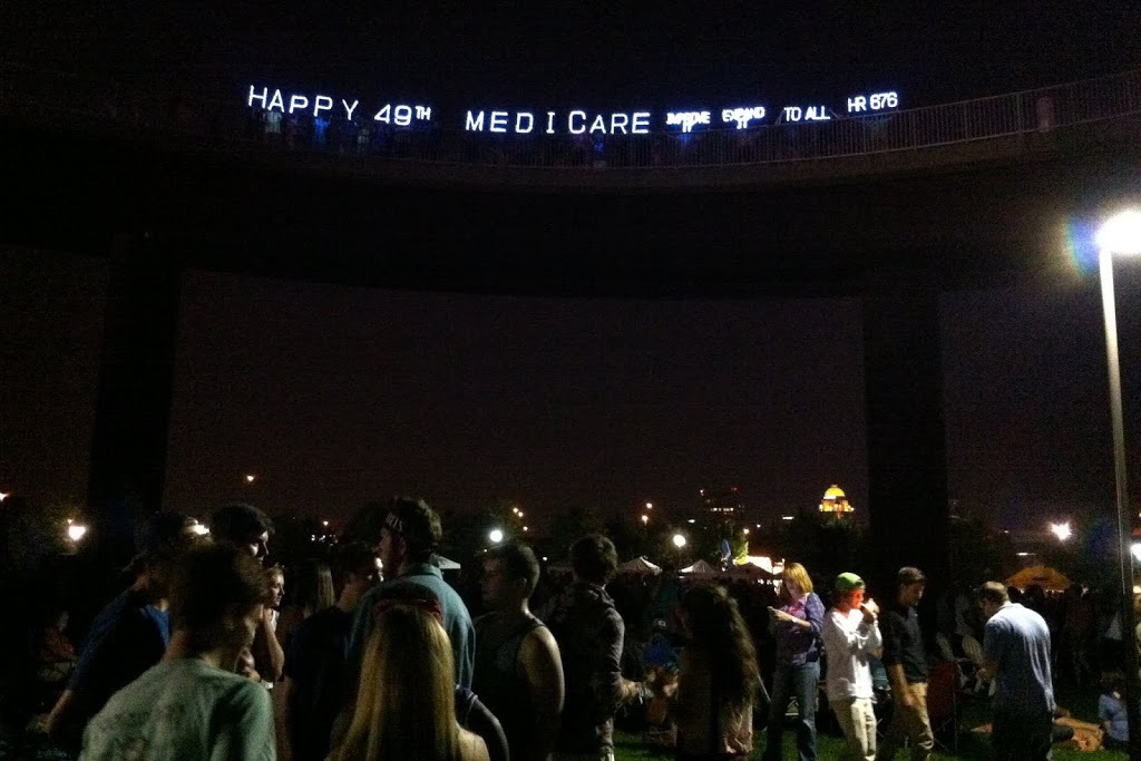 photo Medicare birthday celebration with lights